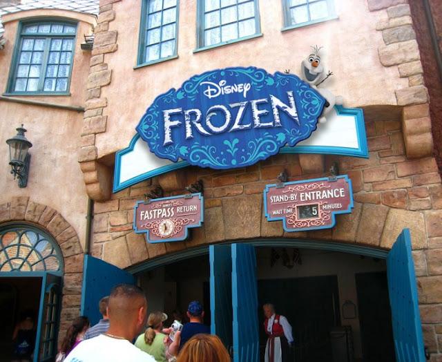 Brinquedo do Frozen no Epcot na Disney em Orlando