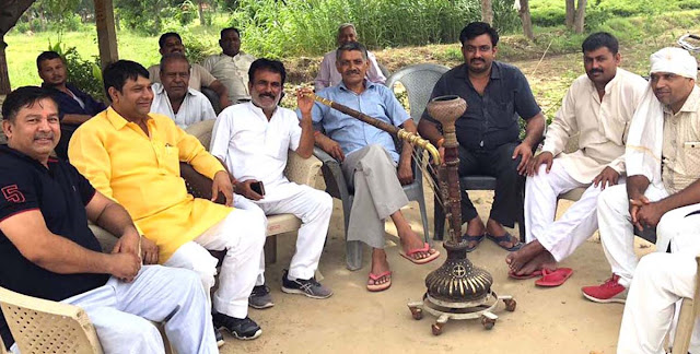 BJP leader Dr. Baldev Alawalpur, under the 'Discussion on Hookah' program, listened to problems of villagers