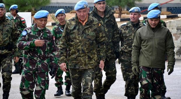 Jenderal Spanyol Tinjau Kompi-kompi Satgas Indobatt
