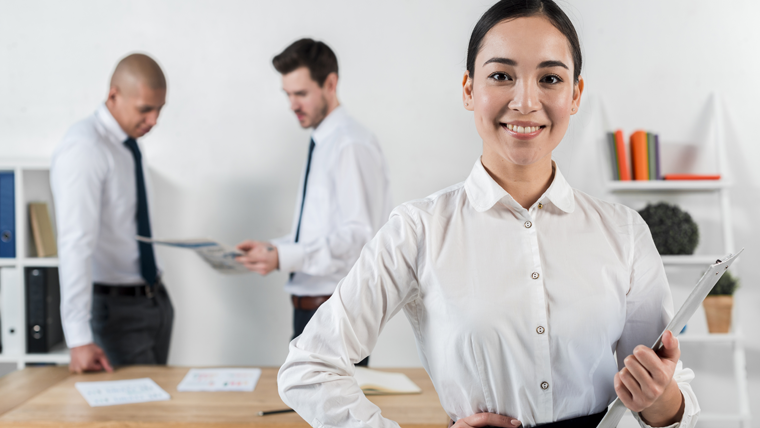 Curso online e gratuito de Auxiliar Administrativo