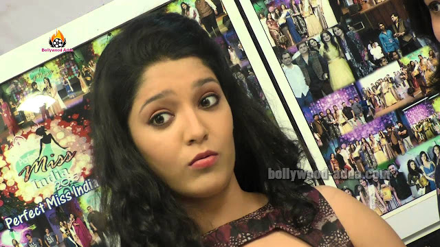 Ritika Singh cute expressing Images will make you fall in Love with Her