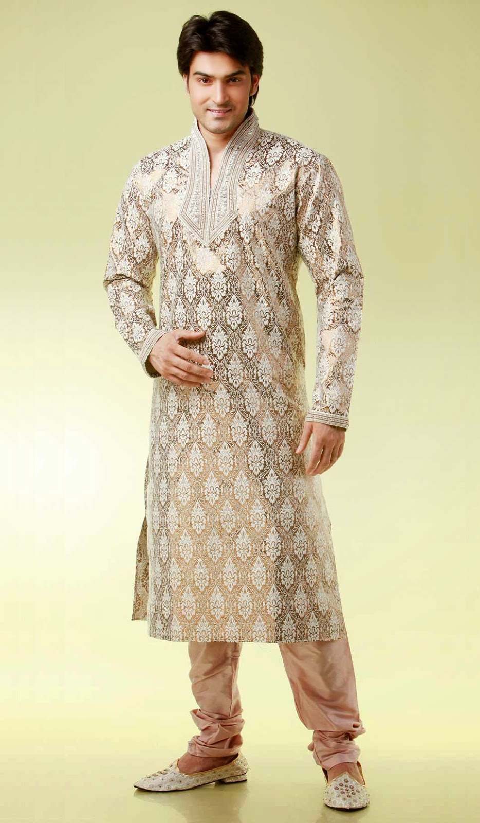 b95d804423 Imported kurtas were fashionable in the United States in the 1960s and  1970s, as an element of hippie fashion, fell from favor briefly, and are  now again ...