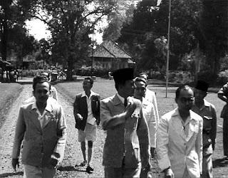Sejarah Pembentukan Kabinet Republik Indonesia Yang Pertama Pada Masa Pemerintahan Soekarno-Hatta.