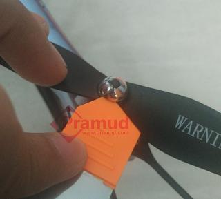 cara melepas tutup baling-baling propeller drone syma X5HW indonesia - pramud