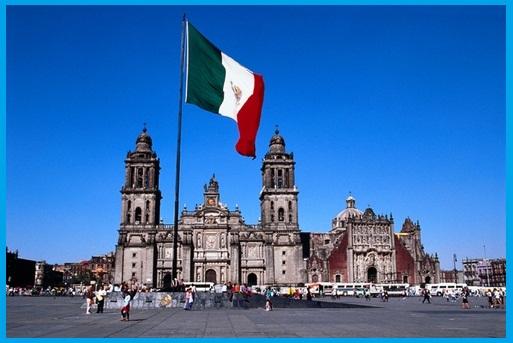 Wisata ke Plaza Zócalo Meksiko