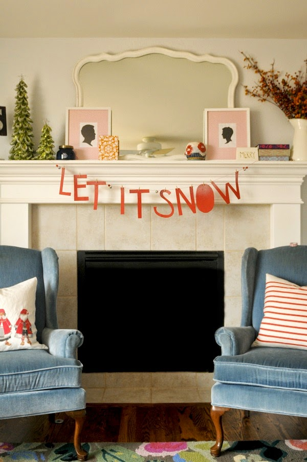 Goodwill Tips: DIY Holiday Mantel Decorating Ideas