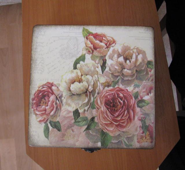 Шкатулка «Винтажные розы», декупаж.