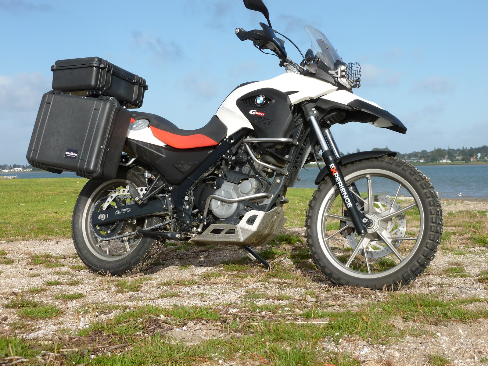 All Things Rogey!: BMW G650gs 10000km review and bling
