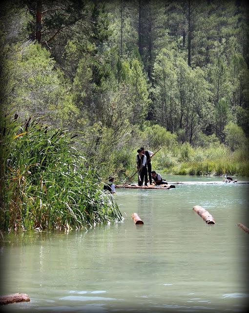 Gancheros bajando el río Tajo
