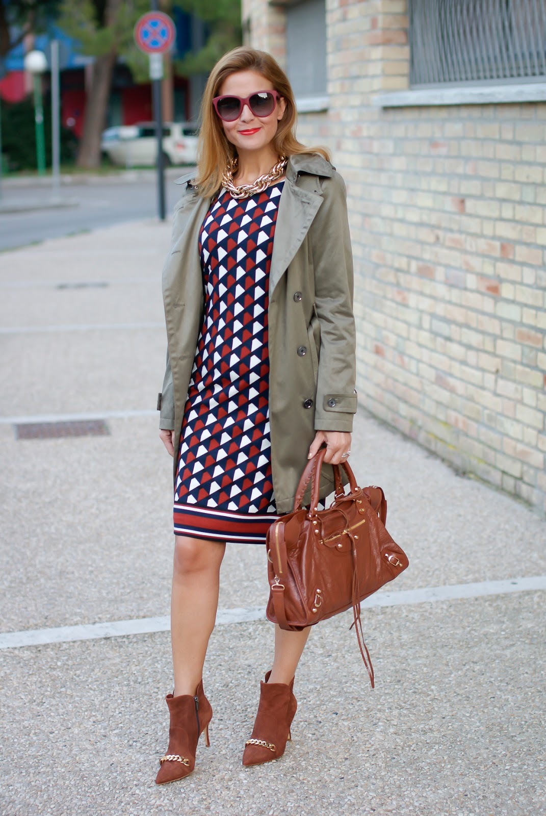 1.2.3 Paris Fall/Winter geometric print dress, hooded trench on Fashion and Cookies fashion blog, fashion blogger style