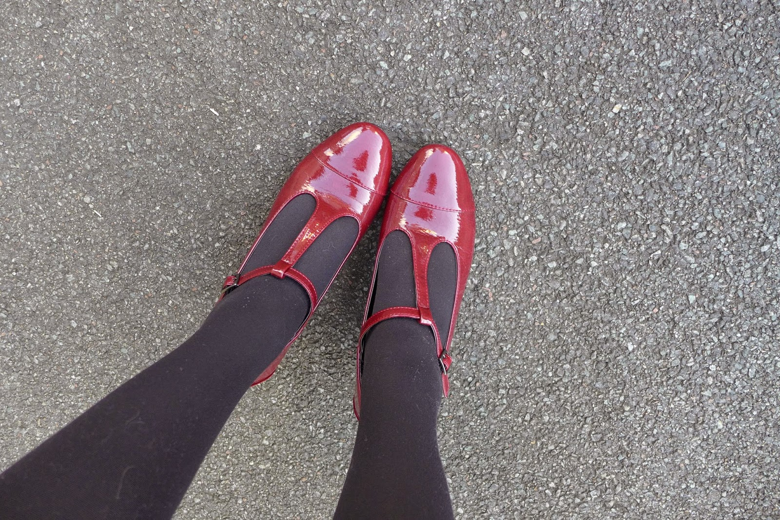 chaussures vintage rouge