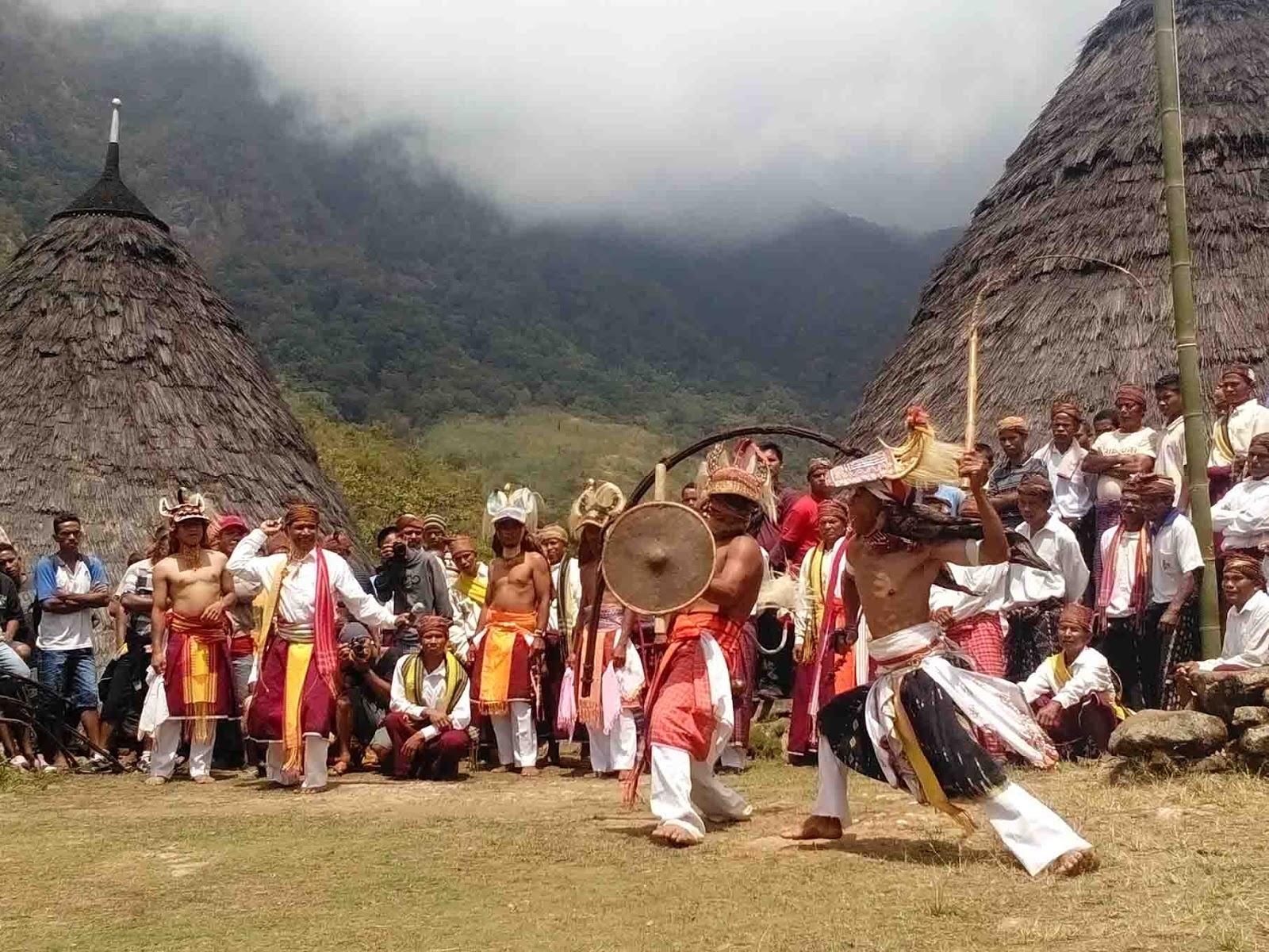 Tari Caci, Tarian Tradisional Dari Flores Provinsi Nusa Tenggara Timur
