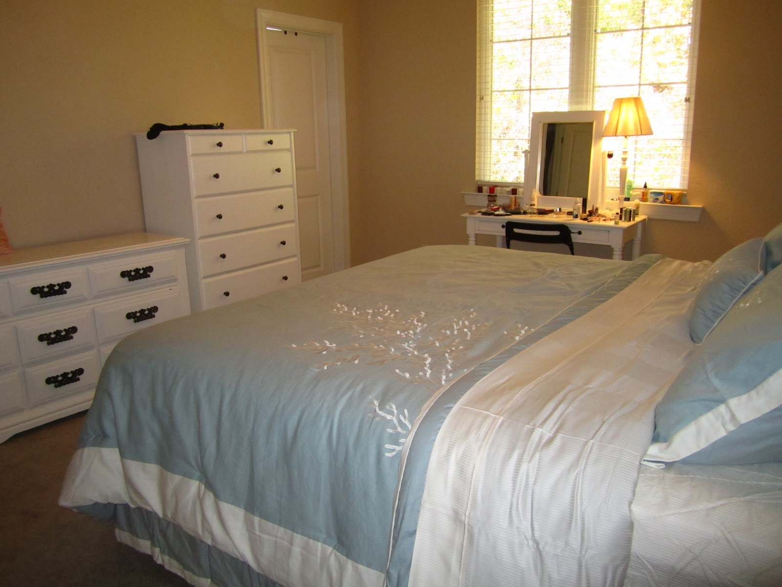 Mrs TwentySomething Our BudgetFriendly BeachThemed Bedroom