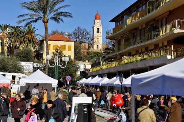 Verkaufsstände beim Festa della Candelora