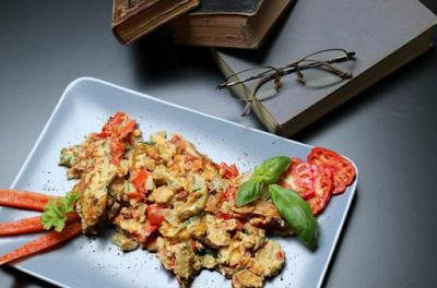 1. Recipe for special scrambled eggs