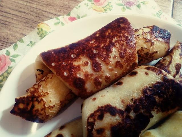 nalesnikowe rogaliki z serem nalesniki z serem nalesniki na smietanie nalesniki obsmazane nalesniki z cukrem pudrem nalesniki na slodko najlepsze nalesniki