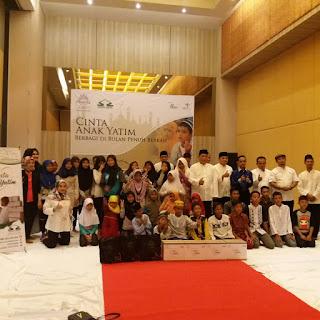 Solusi Zakat Gelar Santunan dan Dongeng Ramadhan untuk Anak Yatim