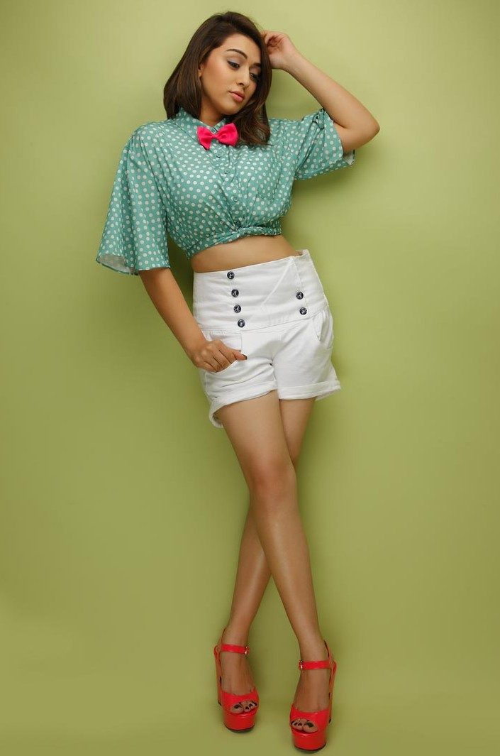 Tamil Actress Hansika Motwani Hot In Mini White Short