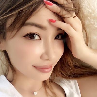 Berita-Unik-Risa-Hirako-Wajahnya-Yang-Cantik-Siapa-Sangka-Umurnya-45-Tahun