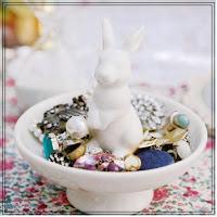 http://place-a.com/product/potre-bijoux-white-rabbit