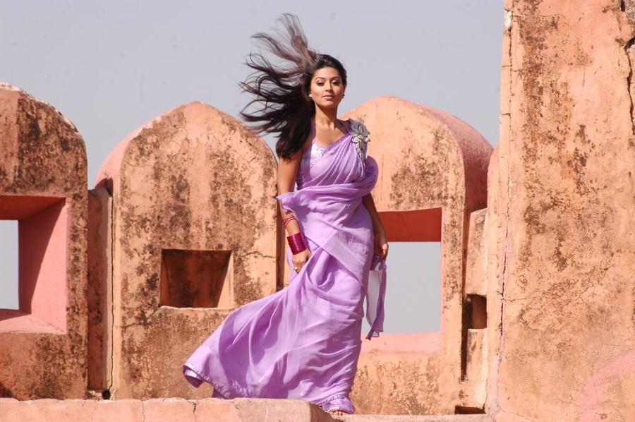 Sneha New Hot Stills In Murattu Kaalai Movie