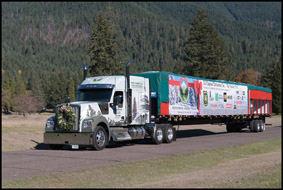 Kenworth W990 with 2018 U.S. Capitol Christmas Tree, McKenzie Bridge, Oregon