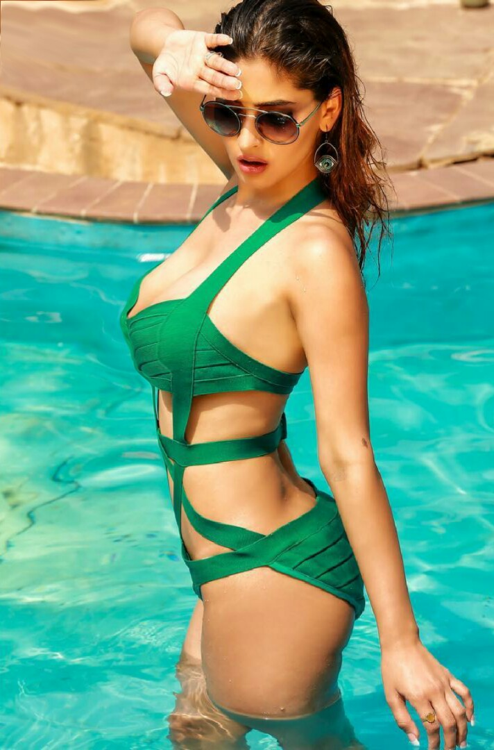 Karishma Sharma Hot Photoshoot Hd - Beautiful Actress-8541