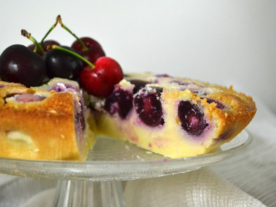 Pastel de cerezas y coco (Clafoutis)