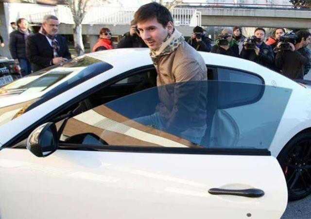 Inilah Daftar 3 Mobil Mahal Messi Yang Bikin Ngiler