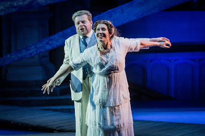Peter Hoare as Boris and Julia Sporsén as Káťa in Opera Holland Park's production of Káťa Kabanová, directed by Olivia Fuchs © Robert Workman
