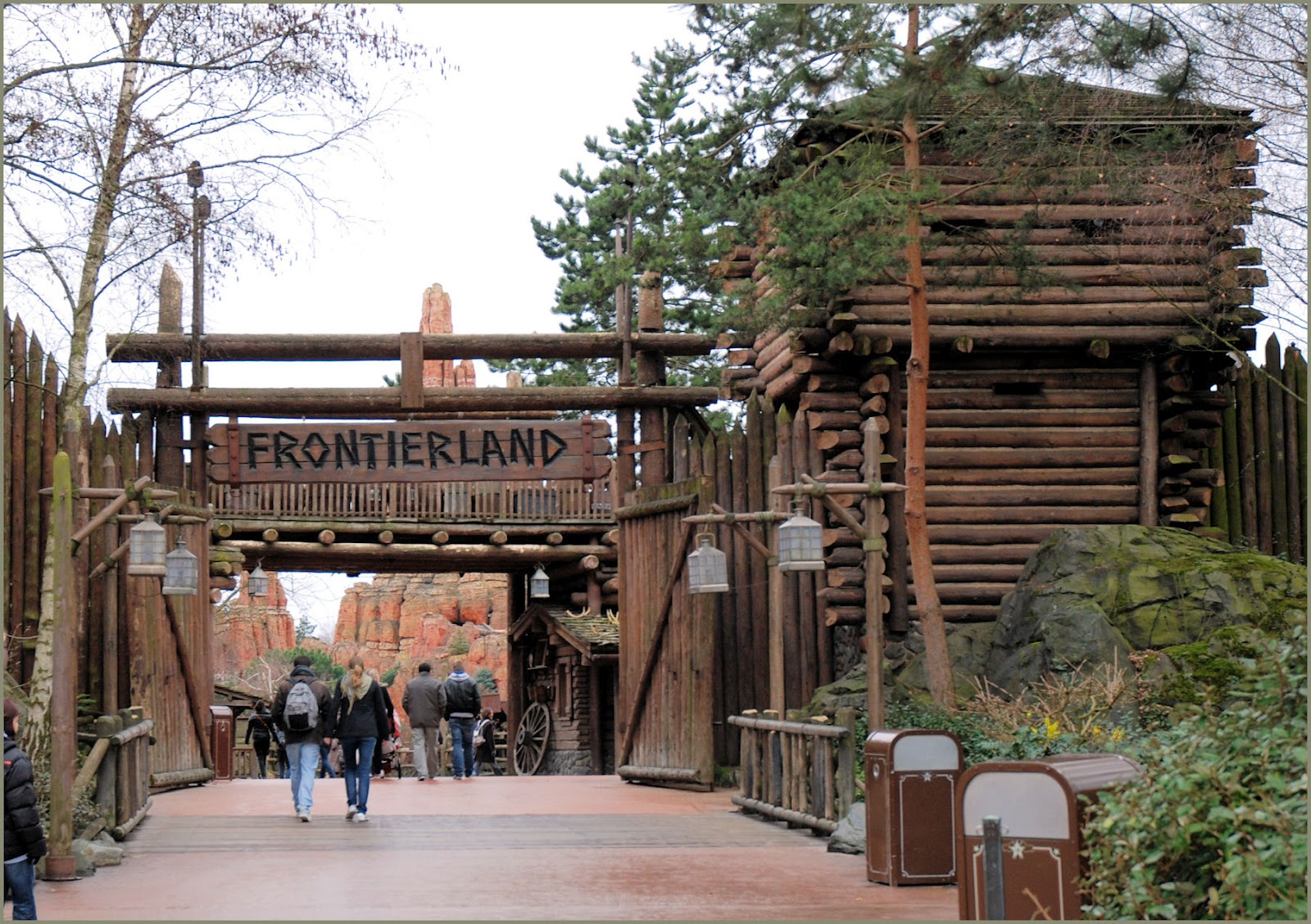 DF'82: The Camp At Frontierland