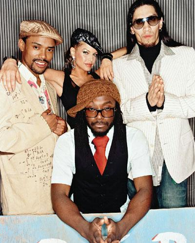 Foto de Black Eyed Peas posando para fans
