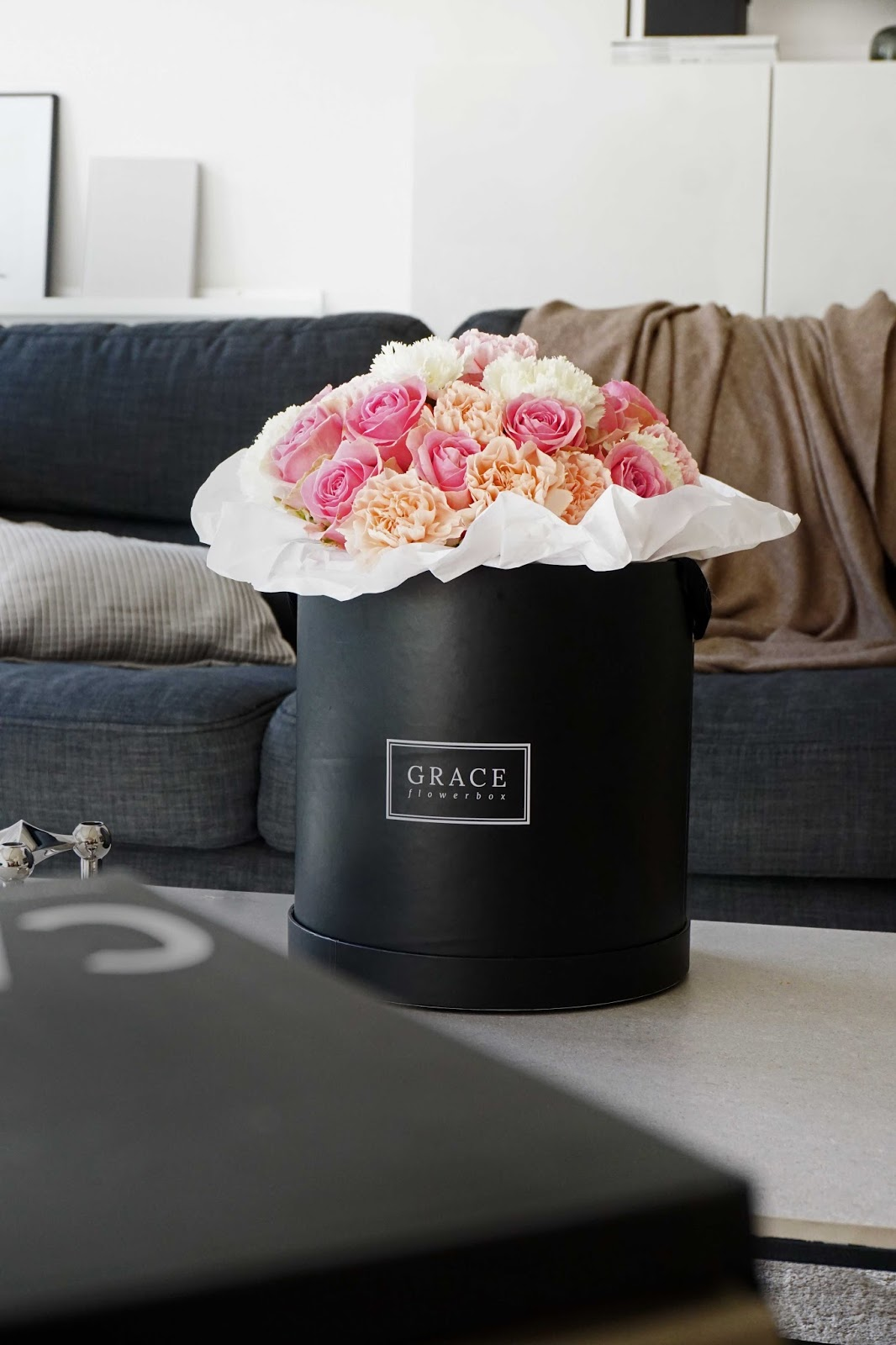 spread the love und grace flowerbox give away s t i l r e i c h blog. Black Bedroom Furniture Sets. Home Design Ideas