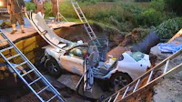 http://sciencythoughts.blogspot.co.uk/2014/07/car-swallowed-by-sinkhole-in-kane.html