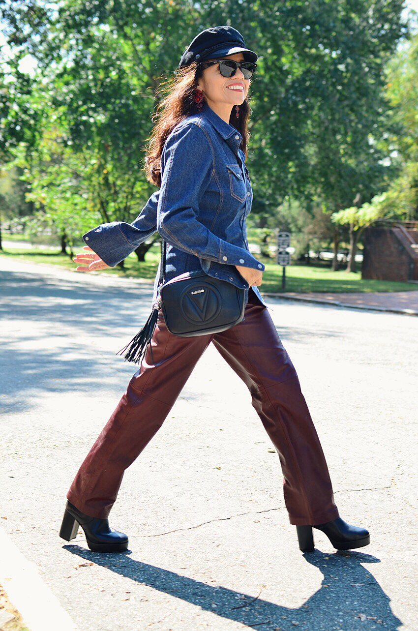 Outfit with leather pants