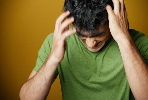 9 Tips Alami Mengatasi Kerontokan Rambut