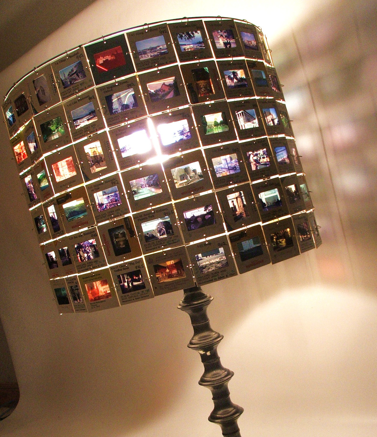 How to recycle another creative recycled lampshades for Cool things to do with old records