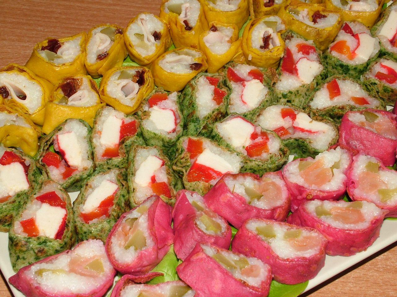 Naleśnikowe sushi w trzech kolorach