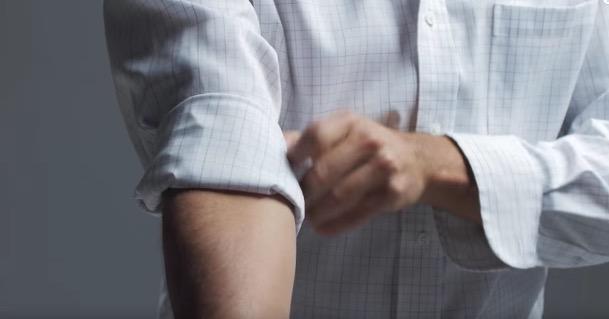 Nampak Seksi Bergaya Ketika Memakai Baju Kameja