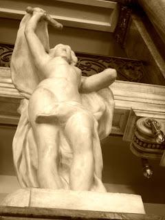 Escultura de Apolo no Teatro Municipal do Rio de Janeiro