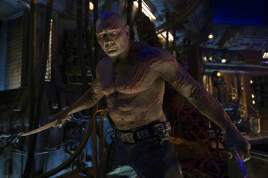 """Dave Bautista se recusa a aparecer em """"Guardiões da Galáxial Vol. 3"""" se o roteiro de Gunn não for usado"""