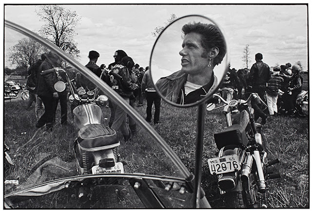 Outsiders: American Photography 1950s-1980s Exhibit at Art Gallery of Ontario in Toronto, Photos, Culture Artmatters, OutsidersAGO, AGO, Exhibition, History, Ontario, Canada, The Purple Scarf, Melanie.Ps, Danny Lyon