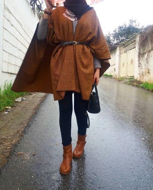 Un trench coat couleur olive et des bottes marrons pour le plus grand  plaisir de toute mohajaba désirant paraître chic et élégante en cet hiver  2019
