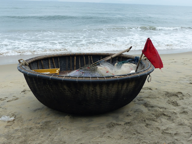 Hemispheric boat of Vietnamese fishermen, Hoi An