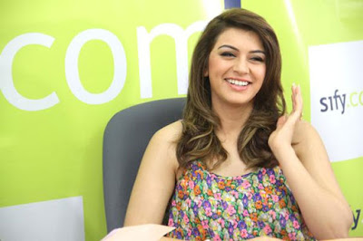 Hansika-Wants-Challenging-ROles-Andhra-Talkies.jpg