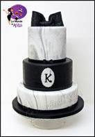 http://monde-de-kita.blogspot.fr/2016/05/un-wedding-cake-chic-noir-et-blanc.html