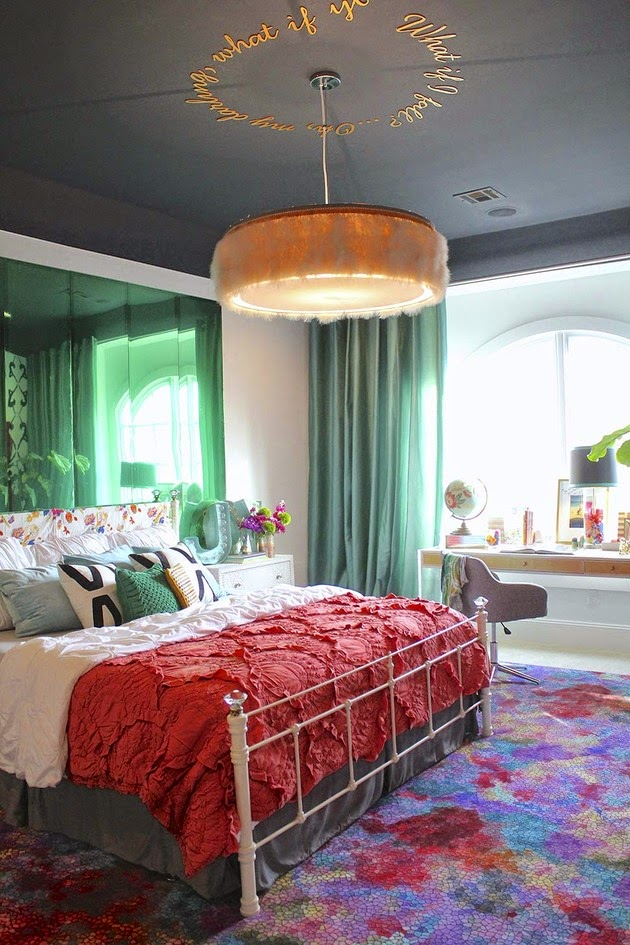 Mereka lebih menentukan adanya tema atau warna favorit mereka di dalam kamar tidur Rancangan Desain Kamar Tidur untuk Anak Remaja
