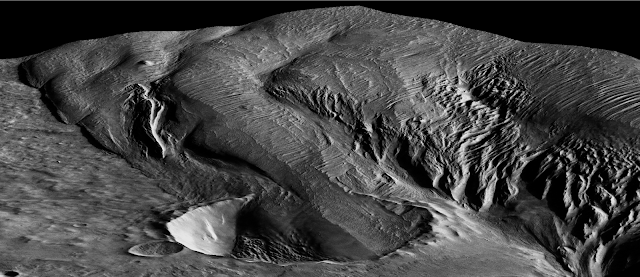 Explosive volcanoes spawned mysterious Martian rock formation