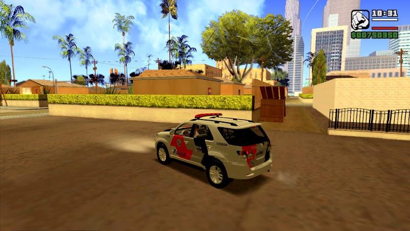 Toyota Hilux SW4 2013 - Força Tática