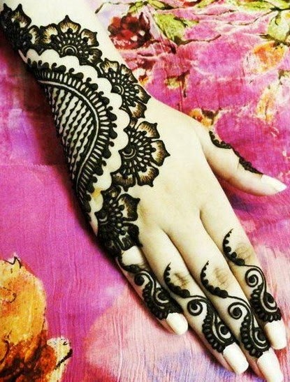 mehndi dasigns ,fashion crazyixt munawar